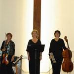 Suzanna Rosander, cantatrice, Danièle Calvayrac, violoniste, Florence Laugénie, violoncelliste. Concert autour des Femmes - 13 février 2012