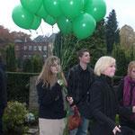 18 grüne Luftballons für Karla