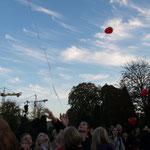 wir lassen die Ballons fliegen