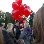 rote Luftballons für Karla