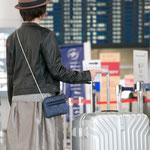 海外旅行にお財布ショルダーが便利