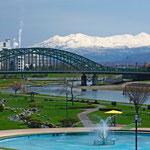 旭橋と大雪山連峰【旭川市】