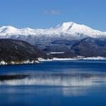 忠別湖と大雪山連峰【東川町・美瑛町】
