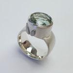 Ring 925er Silber mit Prasiolith und Weißgoldapplikationen