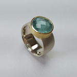 Ring 925er Silber mit wasserfarbenen Turmalin in 750er Gold gefasst