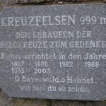 Kreuzfelsen unweit der Räuber-Heigl-Höhle