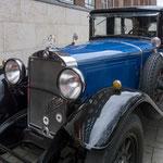 Der Oldtimer-Fan Franz Maag stellte ein zeitgemäßes Auto zur Verfügung