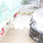 Es wird gemunkelt, de schwarze Wagen, mit einem Gnom am Steuer,  soll dem stehenden Lieferwagen aufgefahren sein.