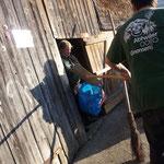 Besen aus Reisig - Boden ist nicht eisig - kann Schaufel helfen trotzdomen - den Aufräumgnomen (hätte sich sonst nicht gereimt!)