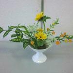 Junichiくんの作品です。花材/ゴッドセフィアナ② サンダーソニア② ひまわり③ レースフラワー③