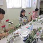 2014.4.19 春のお花にふれる喜び 背比べしているような「ならぶかたち」