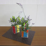 Kotaroくんの作品です。百合の蕾がまだ硬そうですが、開花したらきっと豪華になりますね。