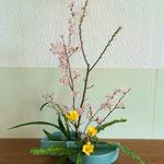 Akariさんの作品です。フリージアの葉もしっかり見つめ、表現したいものが感じられます。