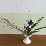 Hinakoさんの作品です。アイリスが開花しているのをいかしました。