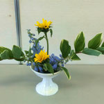 Yumeさんの作品です。 花材/ナルコユリ② ひまわり② ベラドンナ③