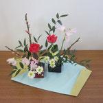 Yuta君の作品です。詰め込みすぎずに伸びやかです。一花、一枝が浮き出ていて立体感があります。