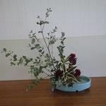 Yuriさんの作品です。 花材/ユーカリ 鶏頭(ケイトウ)③ 竹ドラセナ②