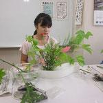 花材1/キイチゴ2 アンスリウム3 ソリダコ2 ミニバラ1 ミツマタ