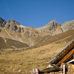 Blick von der Sarotlaalpe Richtung Joch und Sarotlaspitze