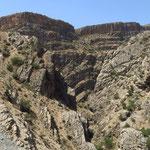 Ab Yasuj zeigt sich schroffe Seite des Zagros-Gebirges