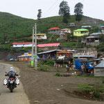 Straßenmarkt auf dem Weg zur Passhöhe