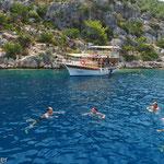 Super Erlebnis - Schwimmen im badewannenwarmen Wasser der Buchten