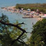 Viel los und sehr beliebt - Badebucht von Cinar-Plaji