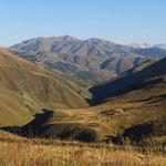 Herrliche Bergwelt auf dem Weg nach Tercan