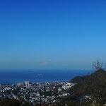 桐山 大 「仙元山山頂から相模湾を望む。」 2014.11.22撮影