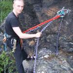 Klettertraining an der Großen Köhlerspitze, unteres Göltzschtal: Christian am Standplatz beim Nachholen