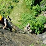 Unsere Teilnehmer des Fortgeschrittenenkurses in der Sachsenstiege, einem extremen Sportklettersteig