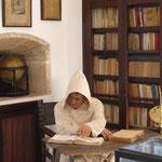 die Mönche lebten und arbeiteten hier früher nicht schlecht, ein Rundgang führt durch mehrere Zellen und durch die Bibliothek