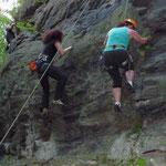 Klettern am Poppenstein ( Geigenbachtal ) bei Werda im Vogtland / Sachsen