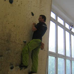Lars kämpft erfolgreich gegen sein Handicap (Boulderlounge Chemnitz)