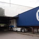 LKW vs. Brückenpfeiler...