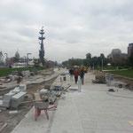 Baustellenbesichtigung, offizielle Eröffnung war bereits, aber wie so alles muss auch dieser Teil neu gepflastert werden