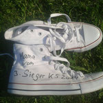 ...und schon waren Tanja´s Schuhe wie versprochen angemalt....