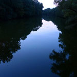 So tief blau ist das Wasser nach dem Sonnenuntergang - Heustadlwasser im Prater