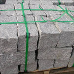 Mauerstein ca. 20/20/40 cm gespalten