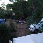 Camp unter Eukalyptus & Pinien im Westen Sardiniens