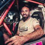Glücklicher Rally-Fahrer...