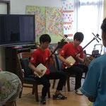 曲弾きセッションは、弘治先輩に一生懸命ついて弾きました(稲垣淳也)