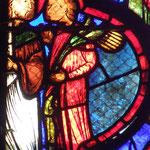 L'époux suit Thomas qui fait apparaitre miraculeusement un bouquet de dattes dans sa main