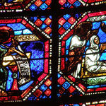 A gauche, St Jean composant l'Apocalypse et à droite, résurrection de Drusienne.