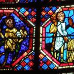 Deux jeunes gens apportent à St Jean du bois et des pierres qu'il change en or.