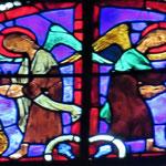 Des anges thuriféraires accueillent les deux saints dans le ciel