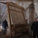 Mise en place de la nouvelle symandre au dessus des cloches de la tour nord (non ouvert au public)