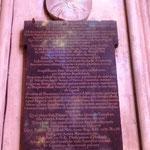 Médaillon et épitaphe de Mgr de Larochefoucault