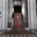 Trône pontifical