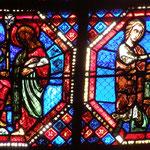 A gauche, St Jean devant Domitien et à droite, supplice de l'huile bouillante à la Porte Latine.